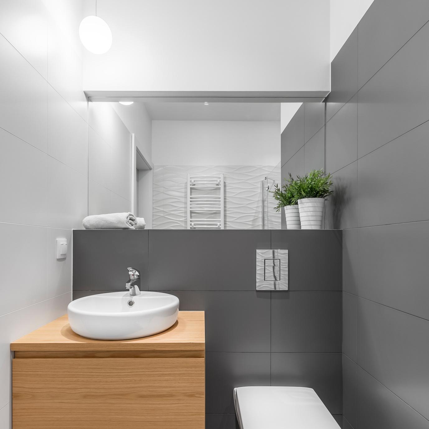 A decorar con estilo y funcionalidad tus ba os peque os for Banos super pequenos